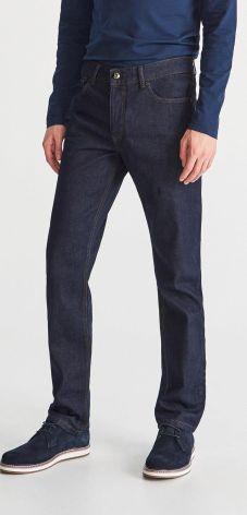 Jak dobrać spodnie męskie do masywnych ud